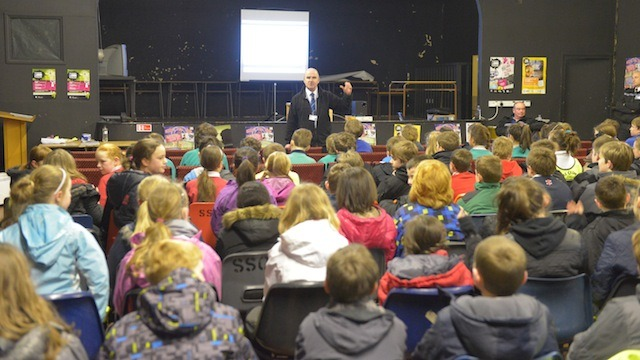 Paul Stephenson from the North Yorkshire Police introduces the children to Crucial Crew