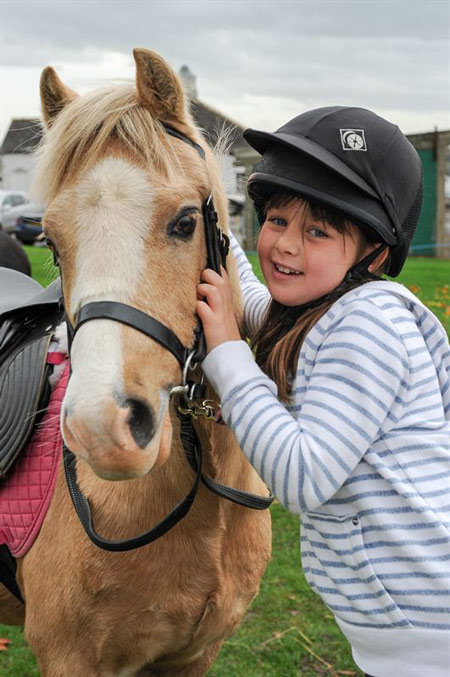 Eight-year-old-Rosie-Bluden-of-Knaresborough-enjoying-her-day-out-at-Countryside-Live
