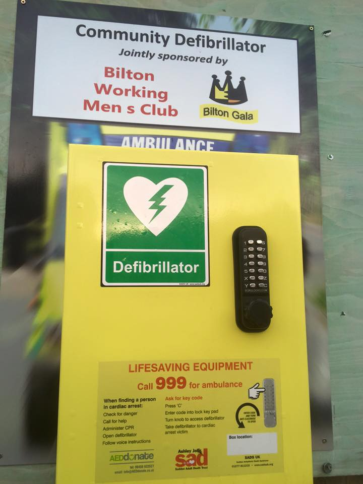 defibrillator bilton working mens club