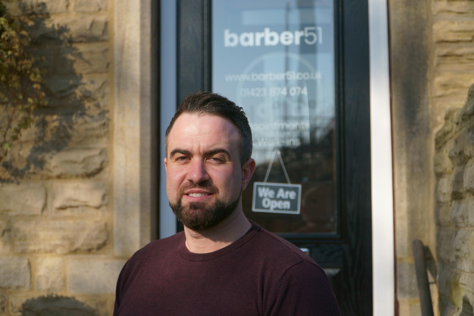 Dion Jones, barber51
